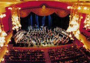 neobychnyj-prezent-dlya-lyubimoj-cenitelnicy-opery-top-5-luchshix-variantov