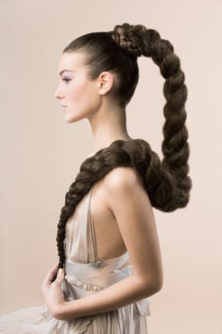 Как ускорить рост волос народными способами