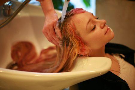 Мытье волос – основное условие их здоровья