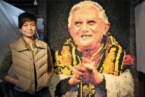 Портрет Папы из 17 тысяч… презервативов