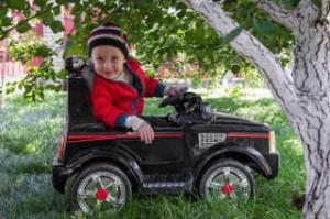 chto-neobxodimo-uchest-pri-vybore-detskogo-elektromobilya