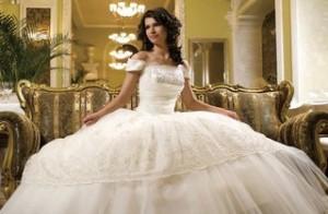 svadebnoe-plate-nezamenimyj-atribut-torzhestva
