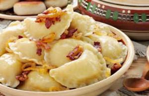 Делаем вареники с картофелем