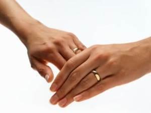 vybiraem-svadebnye-kolca-na-chto-obratit-vnimanie1