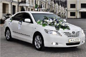 avto-na-svadbu-kak-ukrasit-avto