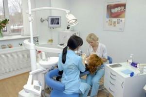 kogda-protezirovanie-zubov-neobxodimosty