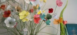 Как сделать из бумаги цветы?