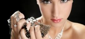 Как выбрать стильное украшение из серебра