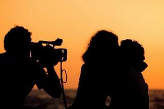 videorolik-na-svadbu-modnyj-i-krasivyj-syurpriz-dlya-lyubimoy
