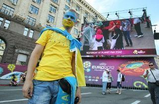 patrioticheskie-futbolki-eto-modno-i-stilno