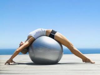 Как похудеть: гимнастический мяч - инструмент в достижении цели