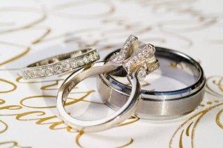 pokupka-koljec-dlja-svadby-i-pomolvky