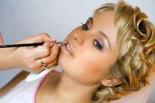 Чем различаются дневной и вечерний макияж?