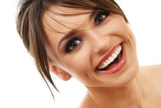 krasivye-zubki-mechta-osushhestvima