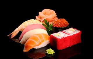 sushi-vkusnoe-blyudo-k-lyubomu-prazniky