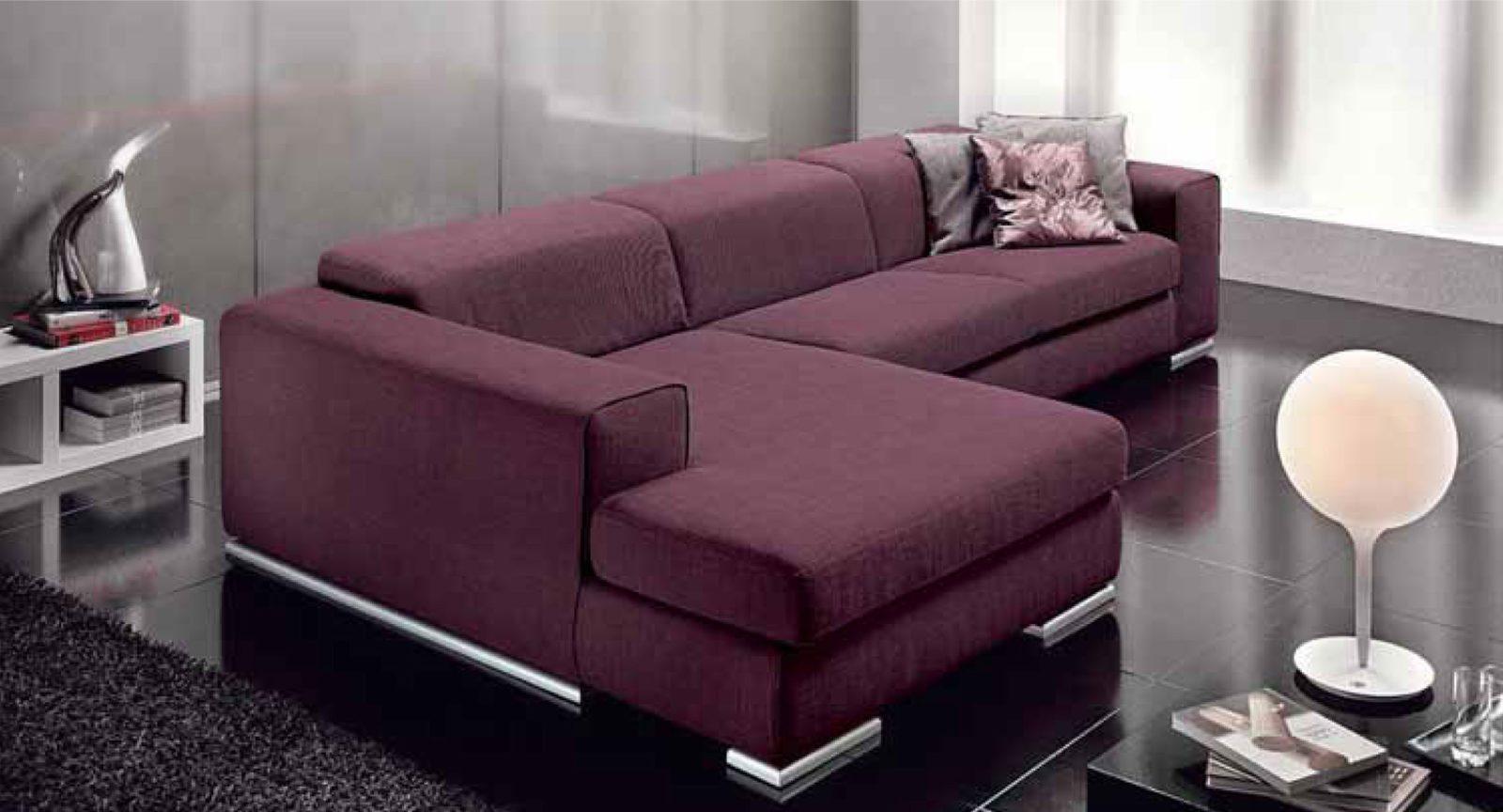 Комфортный диван для гостинной