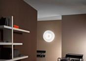 Как выбрать светильник на потолок в тон интерьеру?