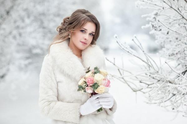 Свадебная мода: какой может быть верхняя одежда жениха